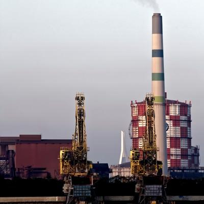 「川崎の沿岸の工場」の写真素材