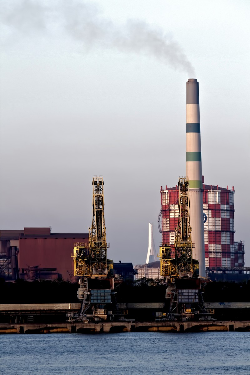 「川崎の沿岸の工場」の写真