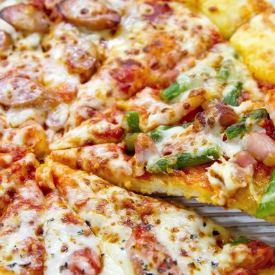 「出来立てピザ」の写真素材