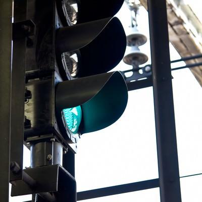 「駅の信号機」の写真素材