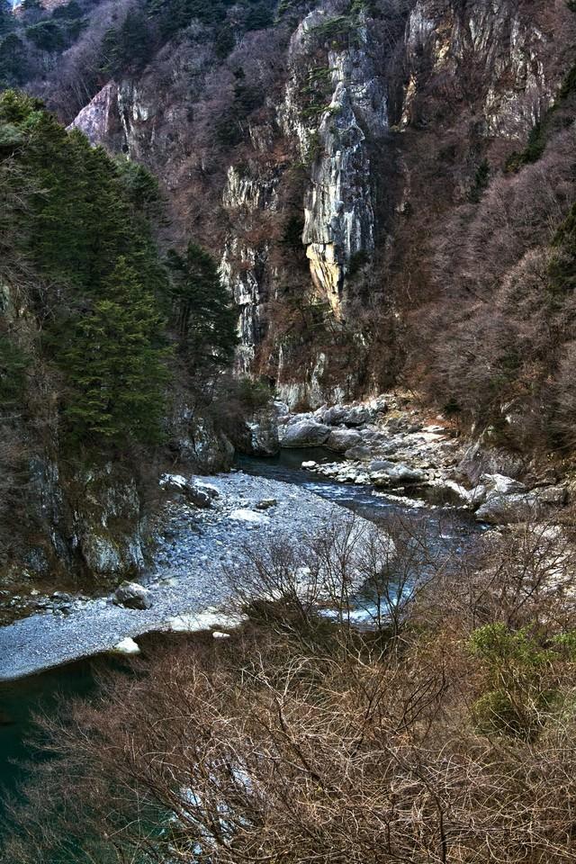 冬の鬼怒川楯岩(絶壁)の写真