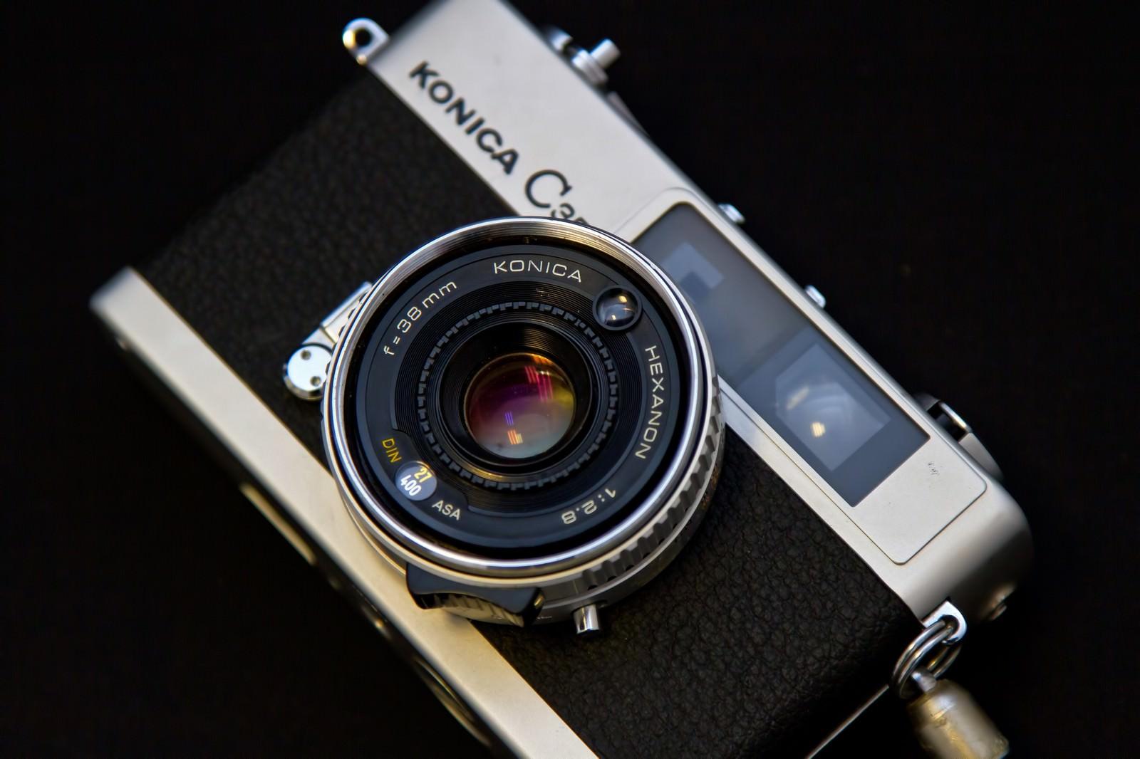 「KONICAのレトロなカメラ」の写真
