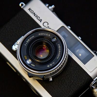 「KONICAのレトロなカメラ」の写真素材