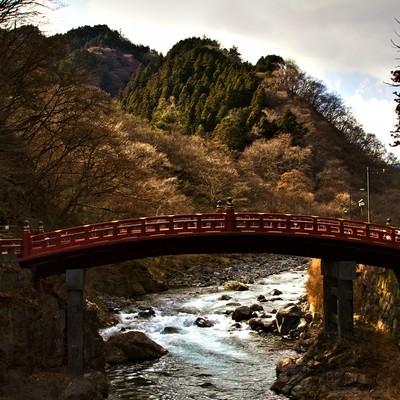 「冬の日光二荒山神社神橋」の写真素材