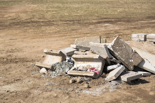 コンクリートの瓦礫の写真