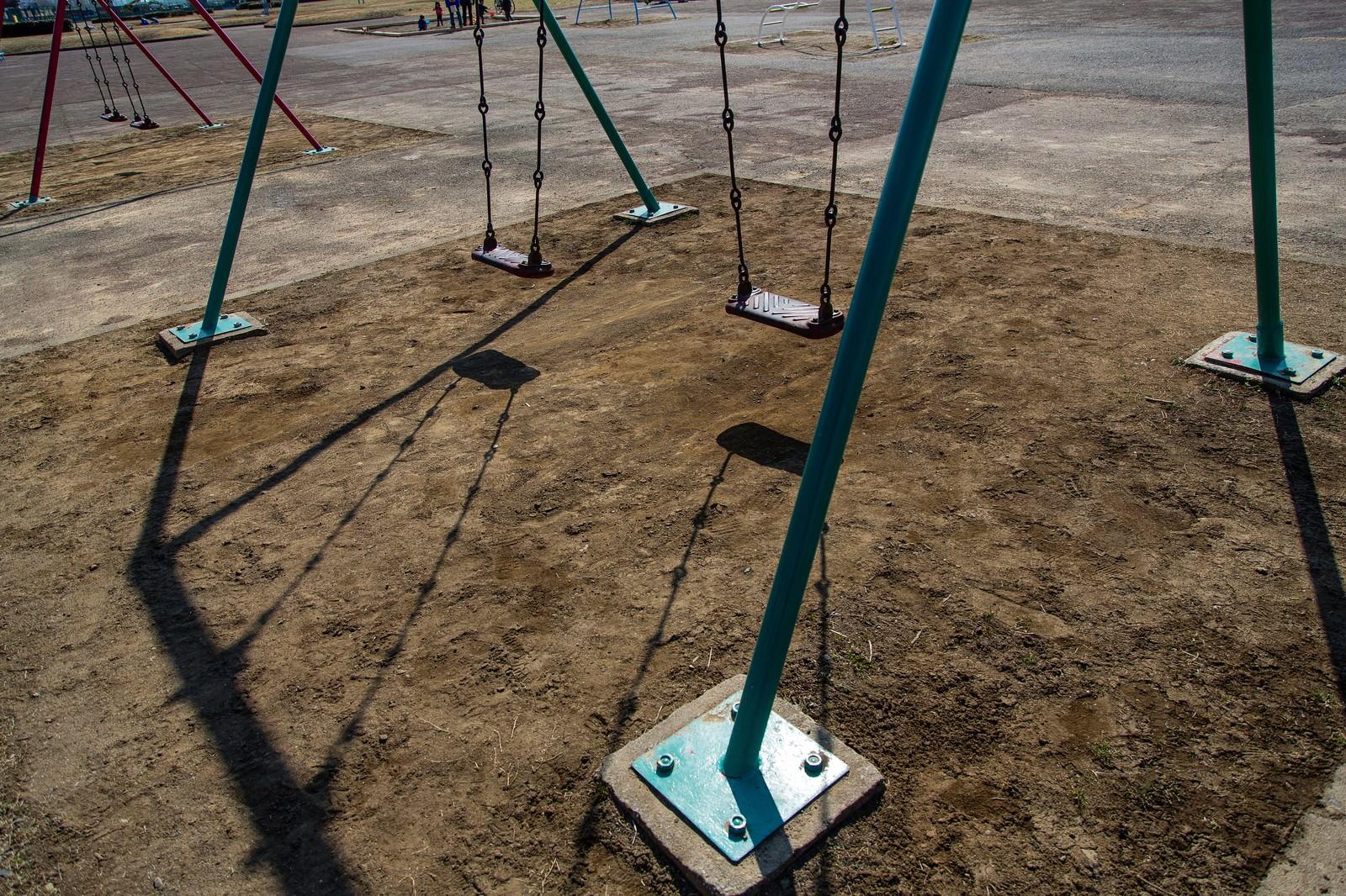 「公園とブランコ」の写真
