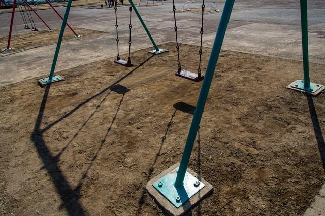 公園とブランコの写真