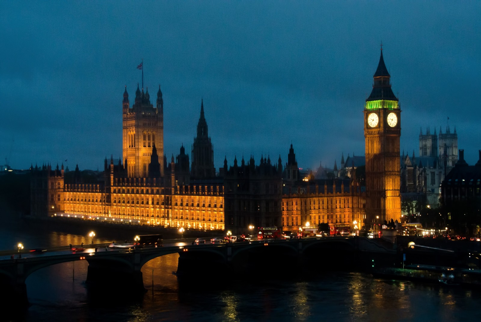 「ロンドンの夜ロンドンの夜」のフリー写真素材を拡大