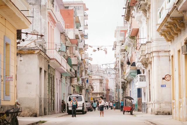 フォトジェニックなハバナの街並みの写真