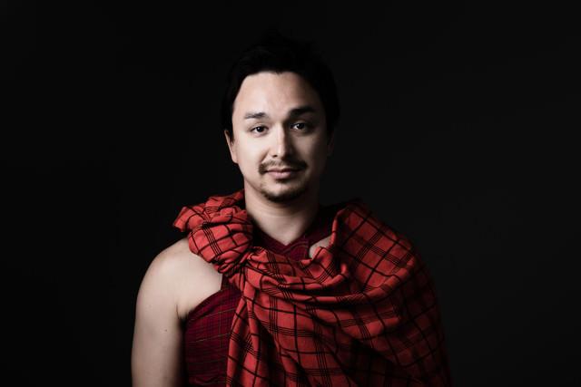マサイ族の赤い民族衣装を着ましたの写真