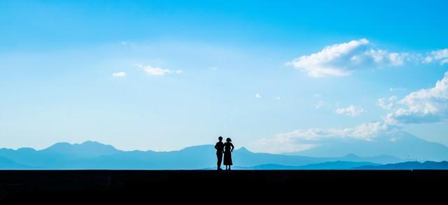 突然のプロポーズ(シルエット)の写真