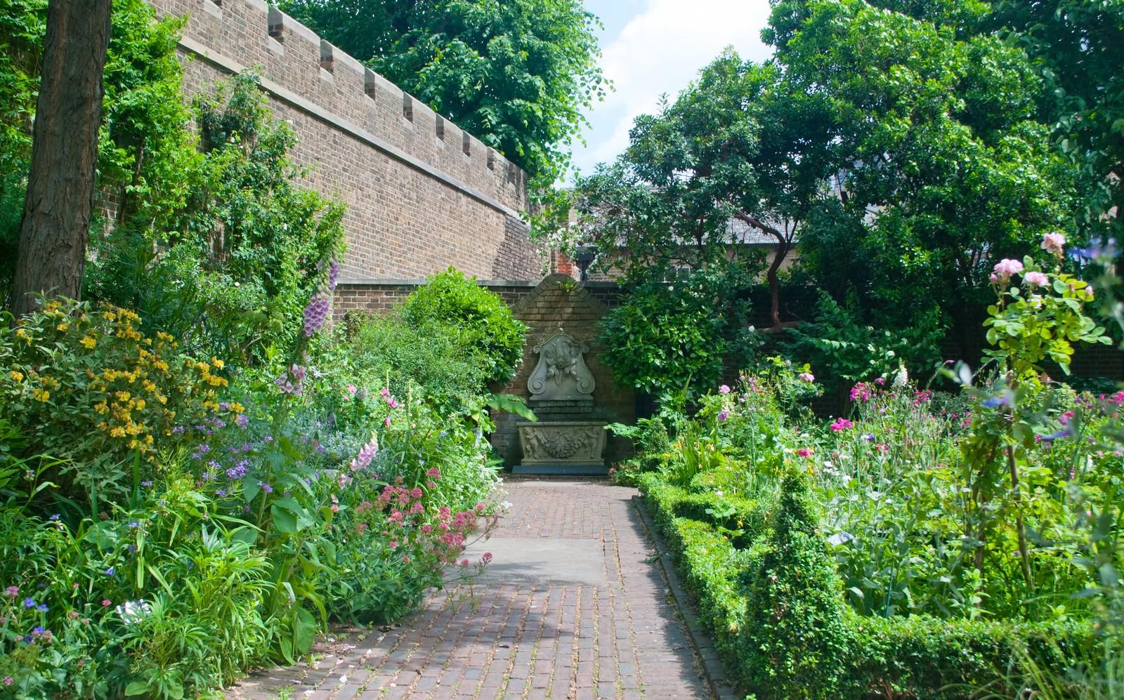 「ロンドンの綺麗な庭園」の写真