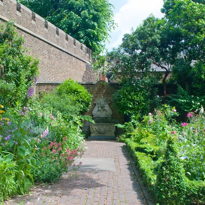「ロンドンの綺麗な庭園」の写真素材