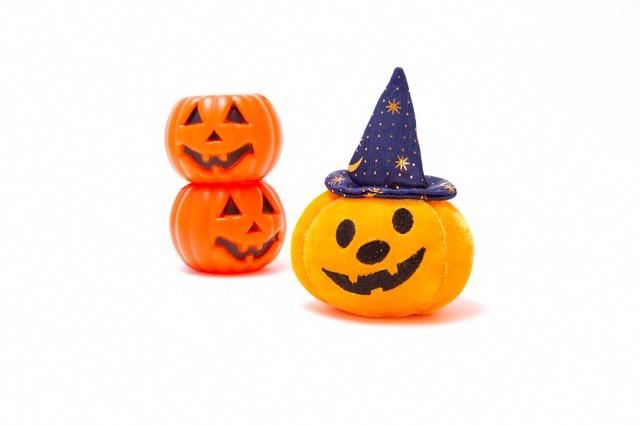 ゆるい顔のハロウィンかぼちゃの写真
