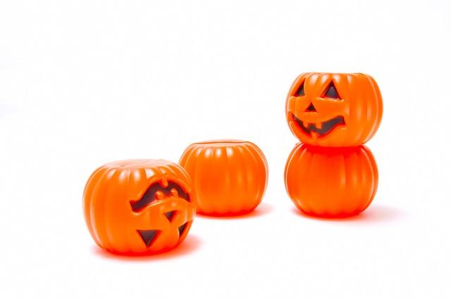 ひっくり返るハロウィンかぼちゃの写真