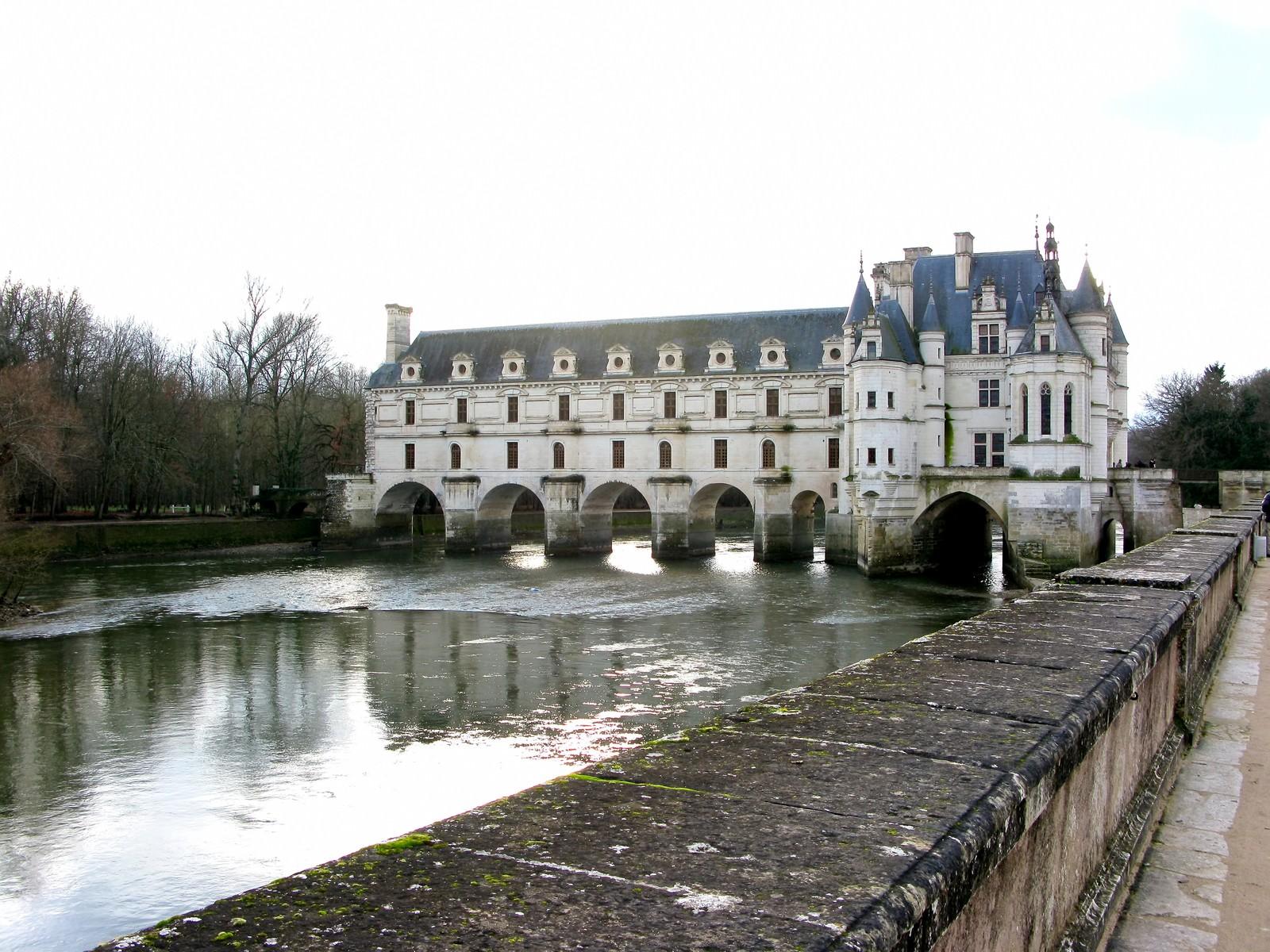 「フランスのシュノンソー城 | 写真の無料素材・フリー素材 - ぱくたそ」の写真