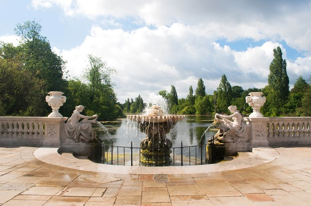 ハイドパークの噴水の写真