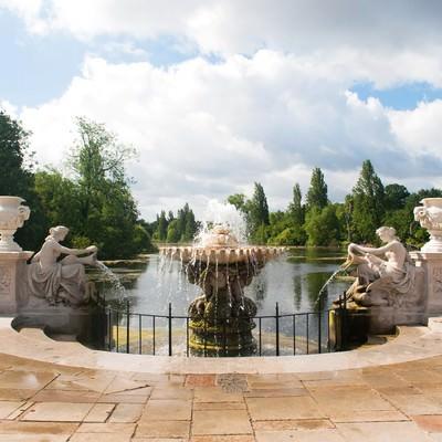 「ハイドパークの噴水」の写真素材