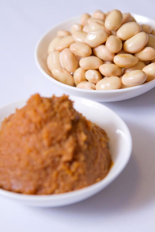 大豆とお味噌の写真