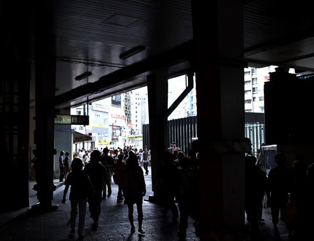 渋谷の高架下の写真