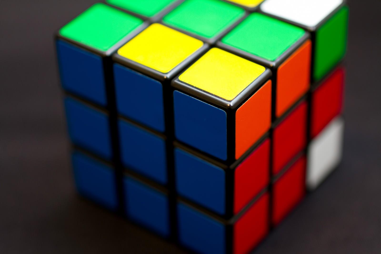 「ルービックキューブ」の写真