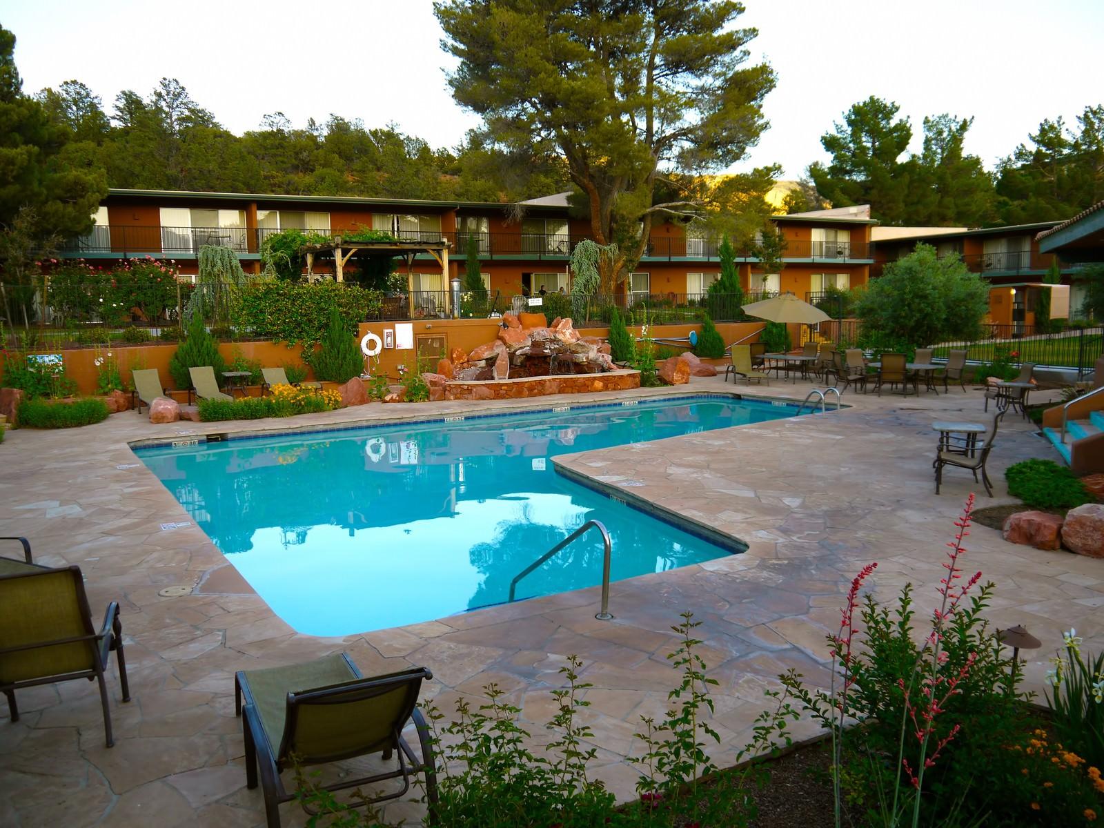「キングスランサムホテルのプール」の写真