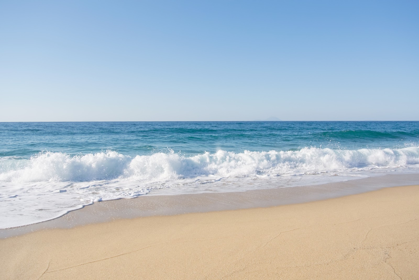 「屋久島の海と砂浜」の写真
