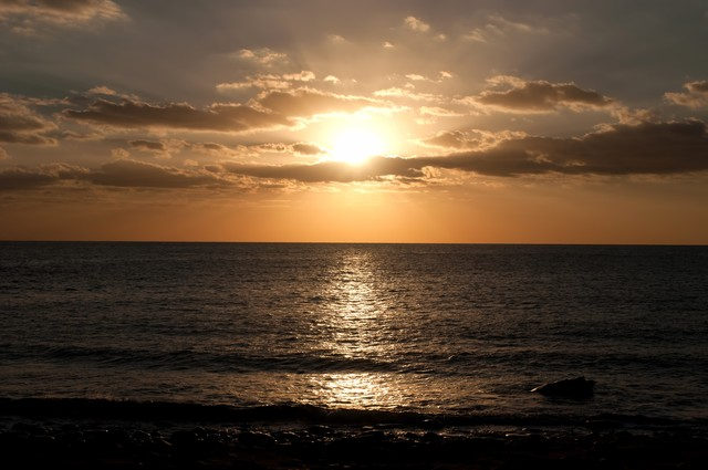 屋久島の海と夕焼けの写真