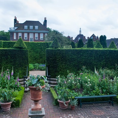 「フェントンハウス敷地内ガーデン」の写真素材