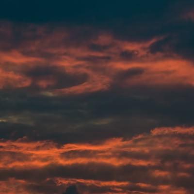 「夕暮れの雲」の写真素材