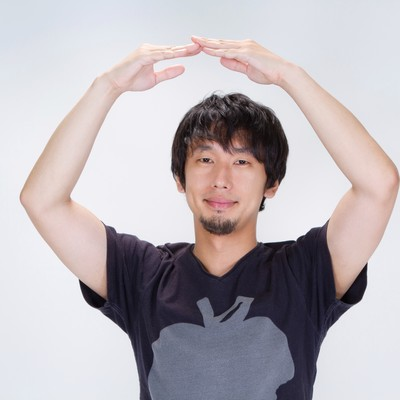 「『正解!』丸を作る男性」の写真素材