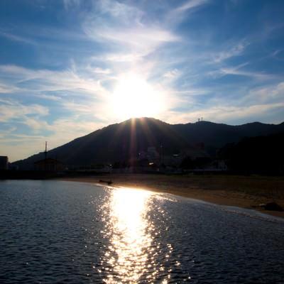「須磨海岸の夕日」の写真素材