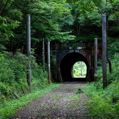 「廃線になったトンネル」の写真素材