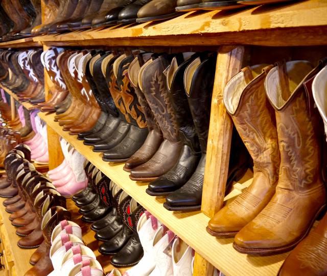 ブーツ売り場の写真