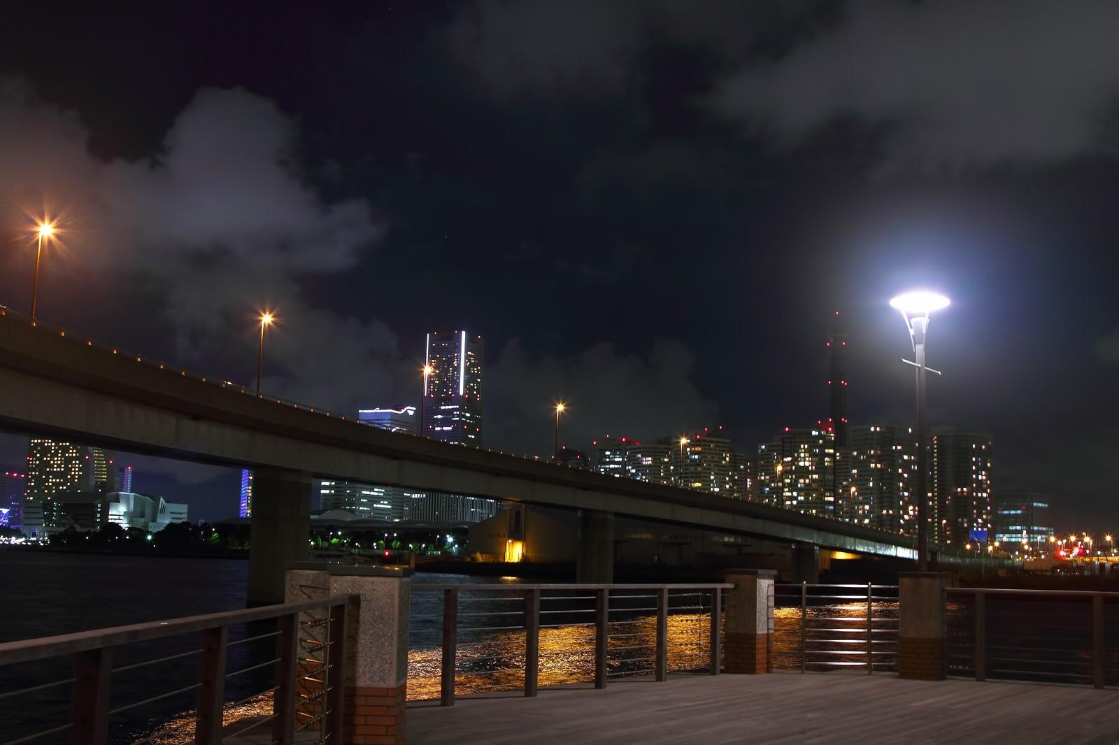 「横浜コットンハーバー地区からの夜景」の写真