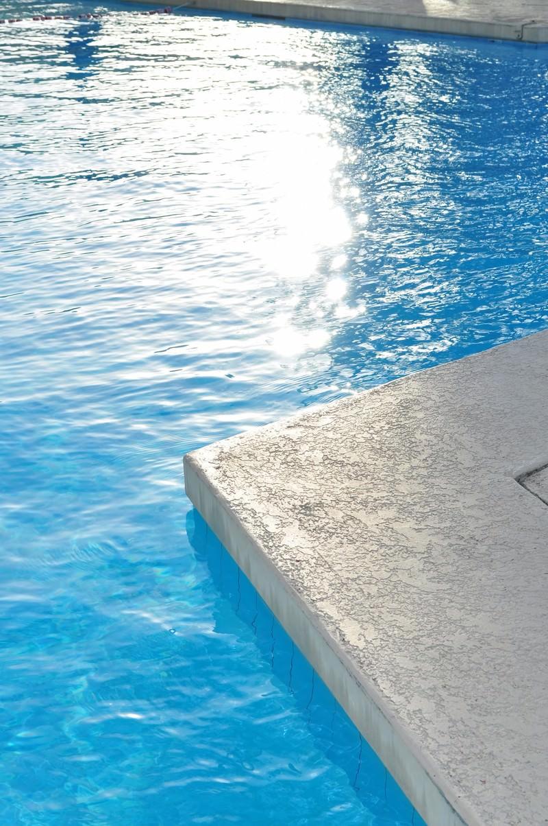 「プールサイド」の写真