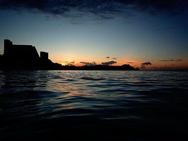 夕暮れビーチのサンセットの写真