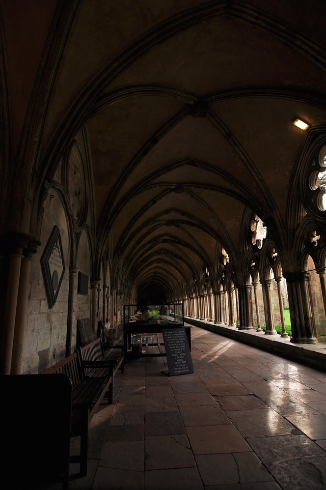 イギリス:ソールズベリ大聖堂の回廊の写真