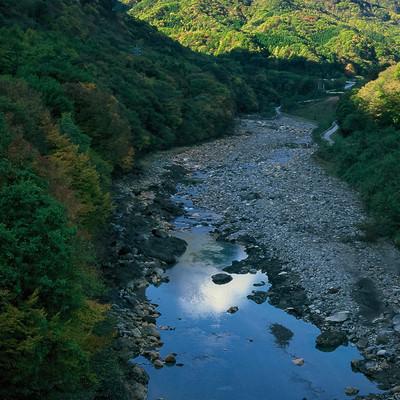 「吾妻川と丸岩」の写真素材