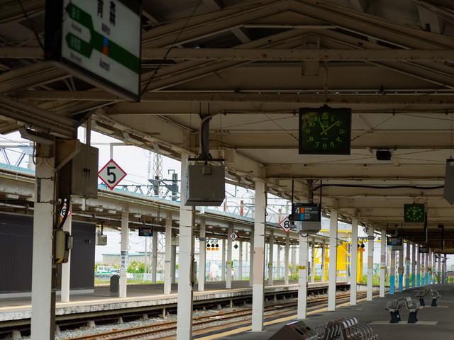 JR青森駅ホームからの景色の写真
