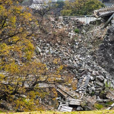 熊本地震で被災した熊本城の石垣の写真