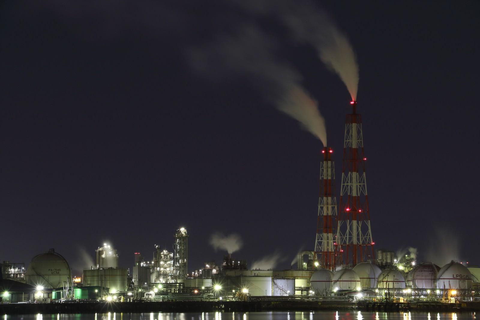 「工場の夜景撮影工場の夜景撮影」のフリー写真素材を拡大