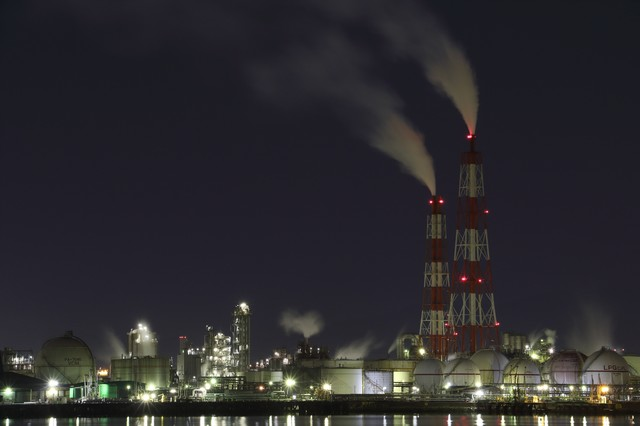 工場の夜景撮影の写真