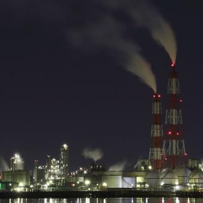 「工場の夜景撮影」の写真素材