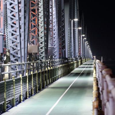 「静謐な橋」の写真素材