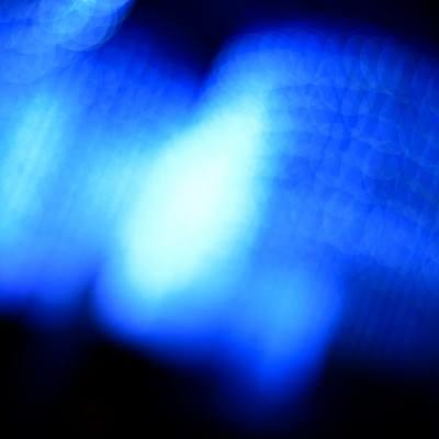 「夜の青白い光」の写真素材