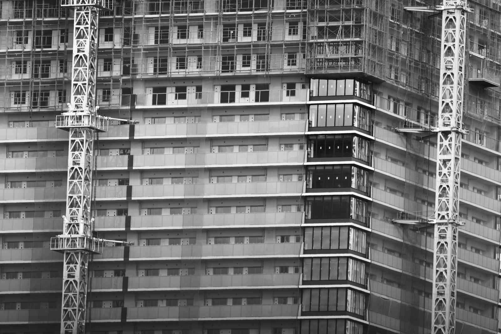 「建設中の高層マンション建設中の高層マンション」のフリー写真素材を拡大