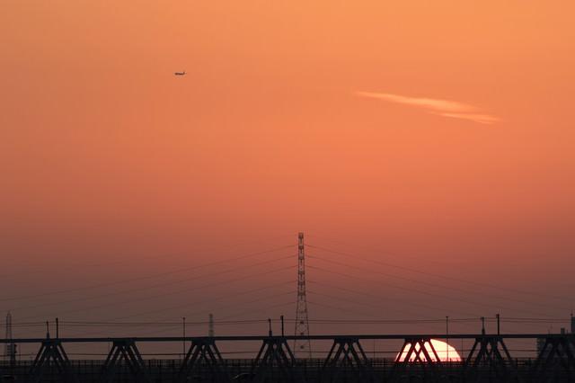 暮れなずむ夕日の写真