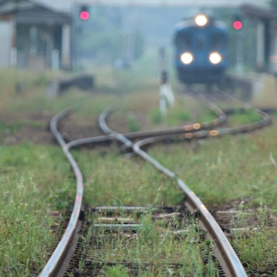 旅情感漂うローカル列車の写真