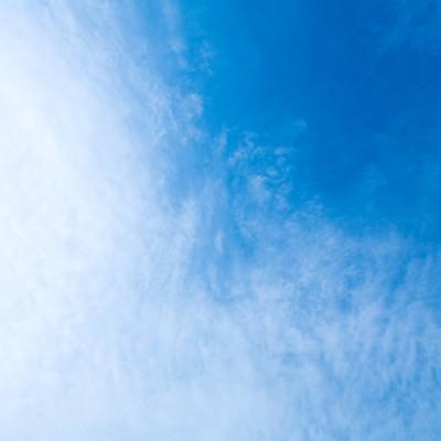 「青い空、雲のテクスチャー」の写真素材